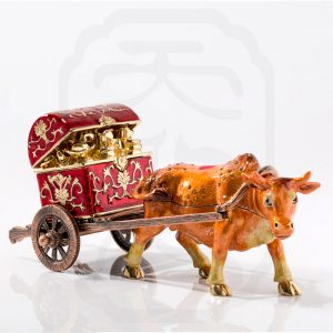 bejewelled-ox-carrying-treasure-0001
